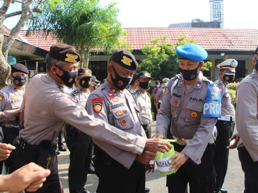 Celengan Ramadhan, Cara Polisi Beramal Setiap Hari di Bulan Suci
