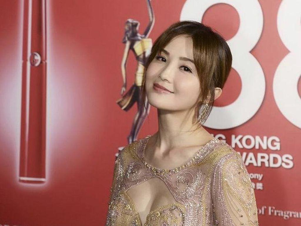 Duh! Fans Hampir Bakar Rumah Aktris Hong Kong Ini Gegara Kesal Diabaikan