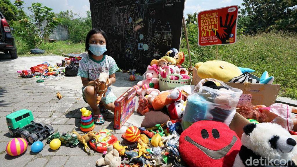 Anak-anak Solo Sumbang Mainan untuk Korban Banjir di NTT