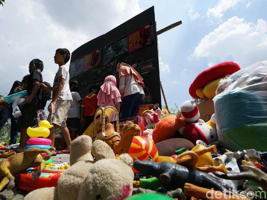 Bocah di Solo Donasi Mainan untuk Anak NTT