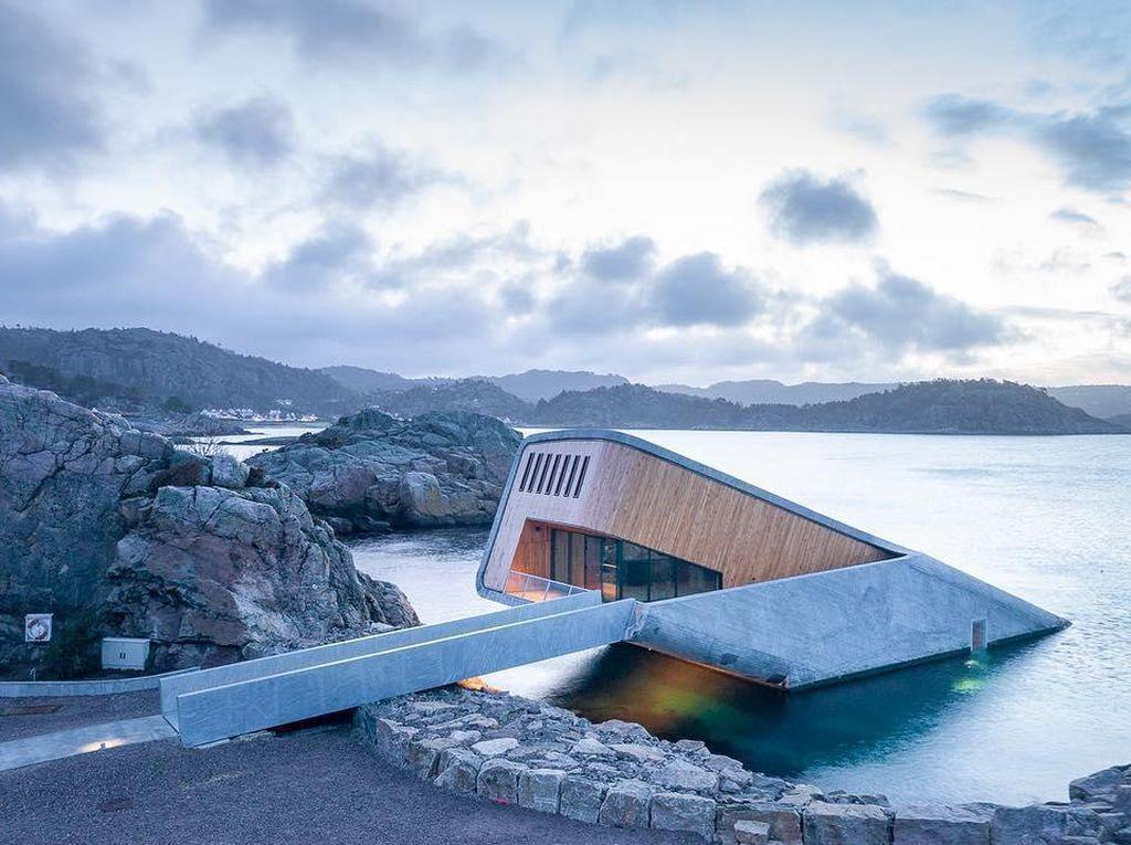 Keren! Ini Restoran di Bawah Laut yang Paling Besar di Dunia