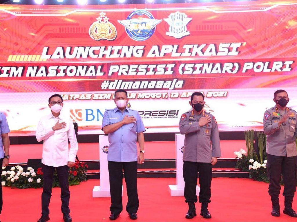 Apresiasi Aplikasi SIM Online Nasional, Bamsoet Sebut Bisa Tekan Pungli
