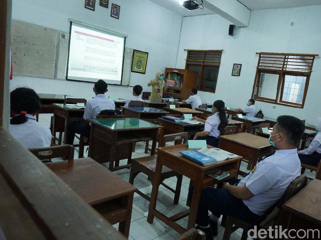 Pancasila dan Bahasa Indonesia Hilang dari Standar Nasional Pendidikan