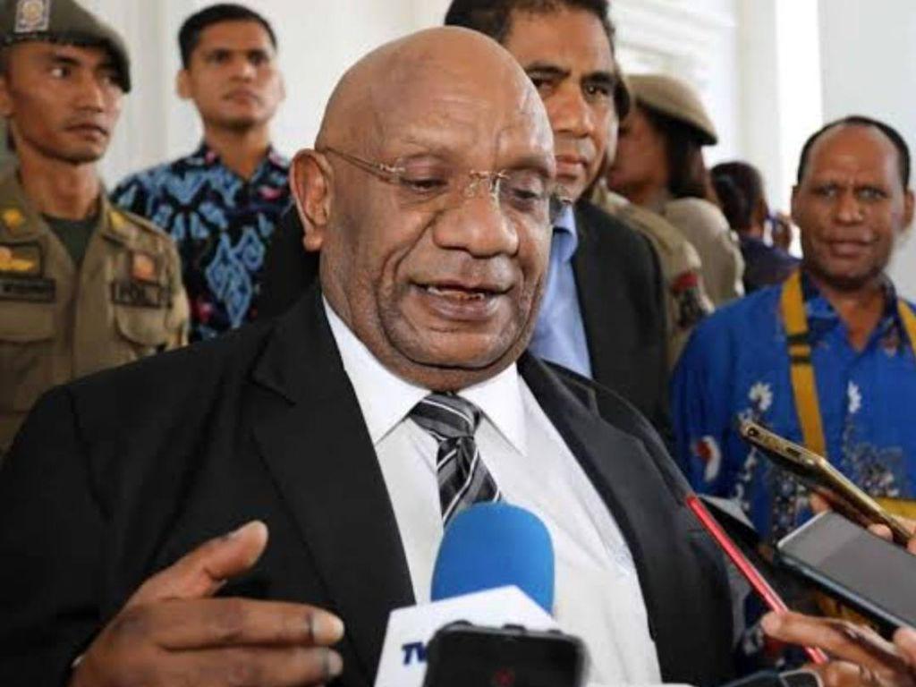 Mengenang Klemen Tinal: Sosok dan Jejak Politik Wagub Papua