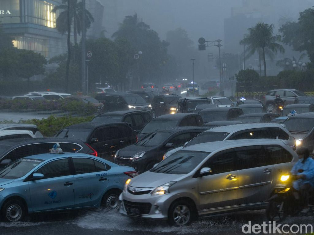 Sebagian Besar Wilayah Indonesia Cerah dan Berawan