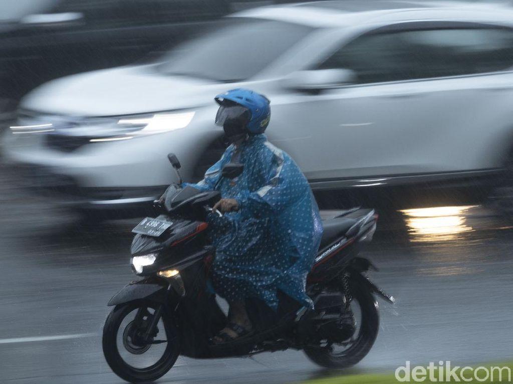 Hujan Intensitas Lebat Diperkirakan Terjadi di Sejumlah Wilayah