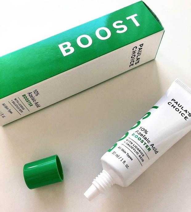 Kalau kulit kamu terlalu sensitif untuk penggunaan AHA, azelaic acid bisa menjadi alternatif kamu untuk memudarkan hiperpigmentasi.