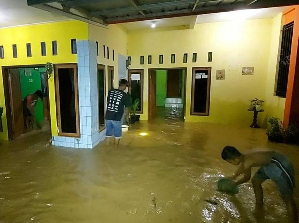 Luapan Sungai Ciseel Ciamis Rendam Puluhan Rumah Warga