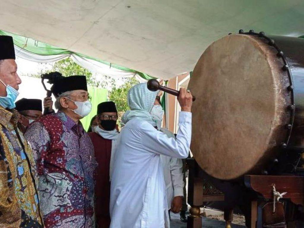 Ketua MUI Pusat Resmikan Masjid di Perumahan Grahayana Karawang