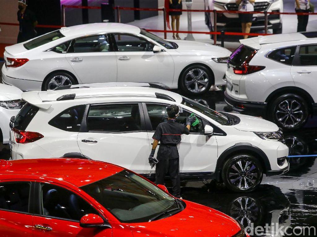 PPnBM 0% Berakhir Bulan Ini, Beli Mobil Antrenya Sampai Juli