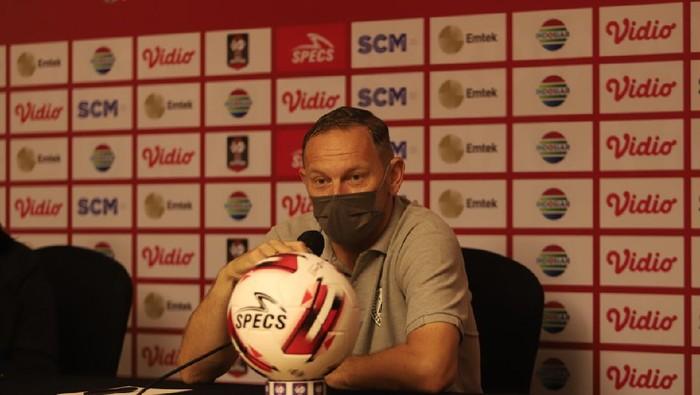 Pelatih Kepala PSS, Dejan Antonic dalam pre match press conference Piala Menpora di Sleman pada Kamis (15/4/2021)