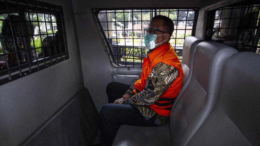 Potret Edhy Prabowo Jalani Sidang Perdana Saat Ramadhan