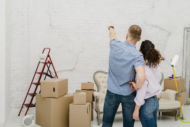 Ubahlah suasana ruangan atau rumahmu agar tidak membosankan dan lebih fresh.