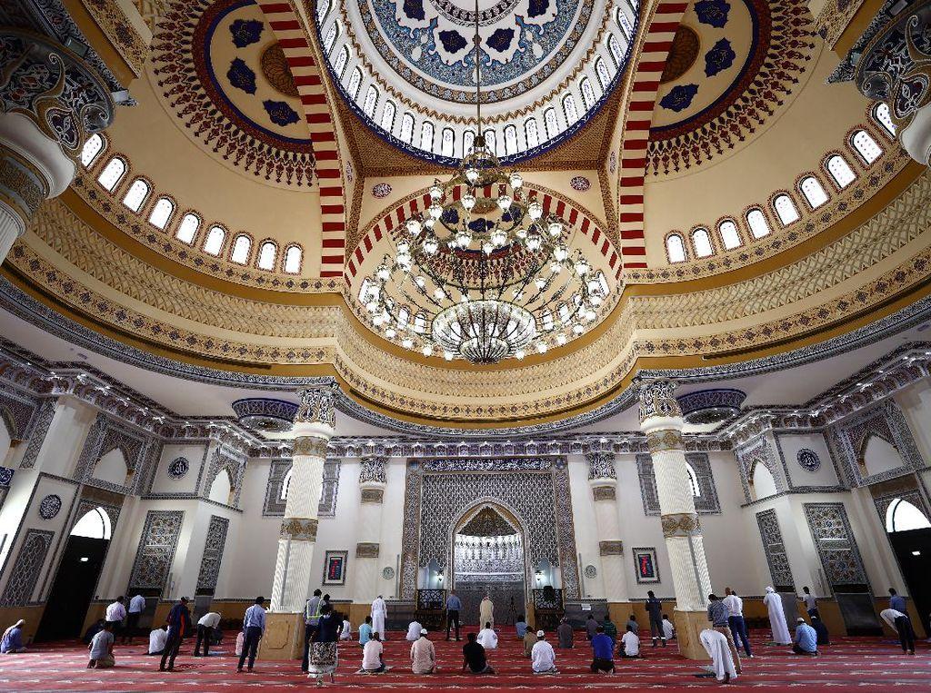 Indahnya Masjid Al-Farooq Dubai, Terinspirasi Keadilan Khalifah Umar