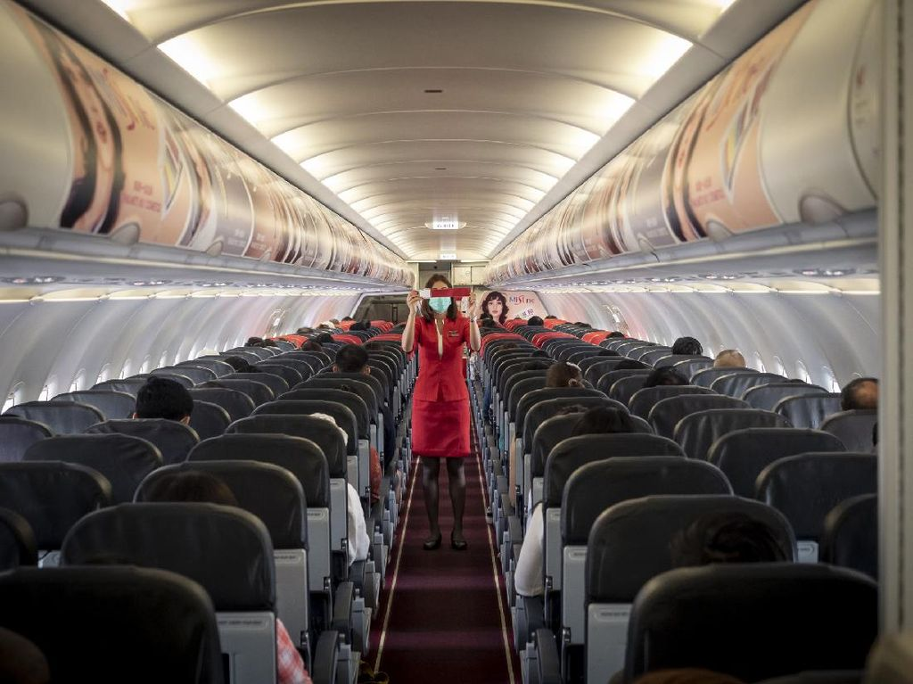 Studi: Kosongkan Kursi Tengah Pesawat, Risiko Tertular Covid-19 Turun 57%
