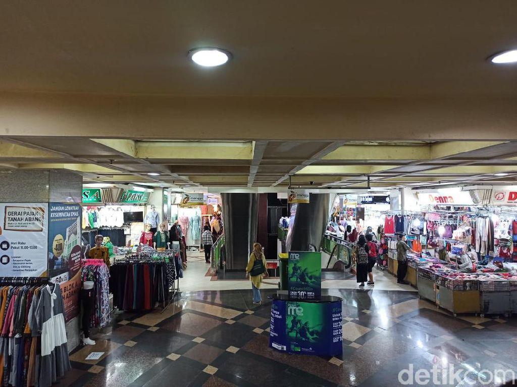 Pekan Pertama Ramadhan, Pasar Tanah Abang Masih Sepi