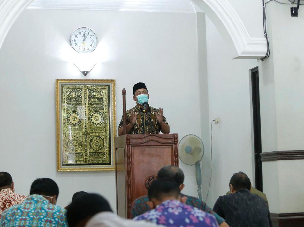 Makmurkan Masjid, Walkot Semarang Kembali Gelar Jarik Masjid