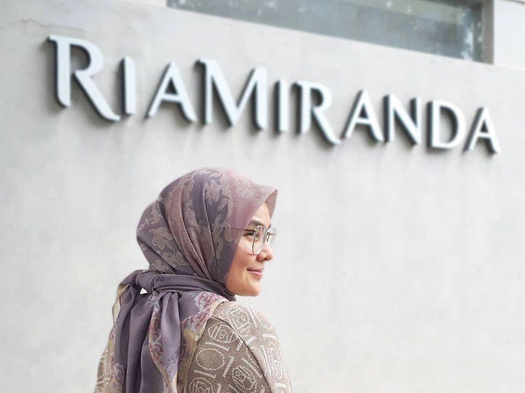 Ria Miranda Luncurkan Koleksi Baju Lebaran 2021 Terinspirasi Wanita Jawa