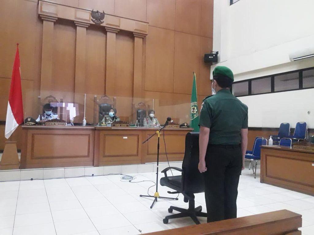 Prada Ilham Jalani Sidang Vonis Kasus Hoax Picu Polsek Ciracas Diserang