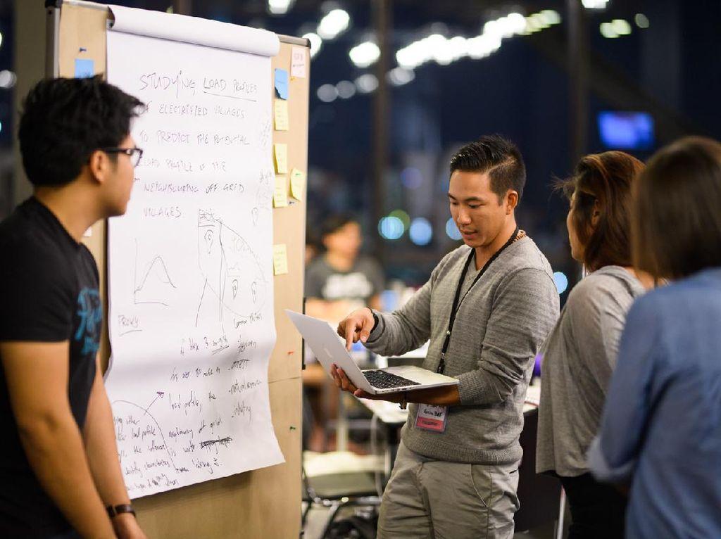 Hackathon Nexus Indonesia Gali Potensi Inovasi Kendaraan Listrik