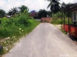 Waduh! Jalan di Pekanbaru Ini Ditembok Setinggi 2 Meter