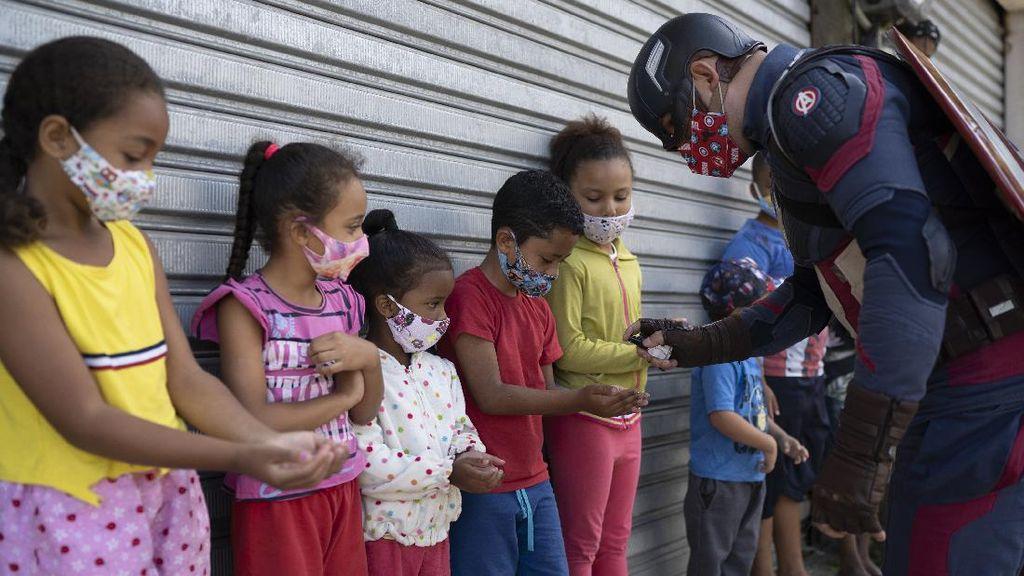 Aksi Captain America Lindungi Anak-anak dari Corona