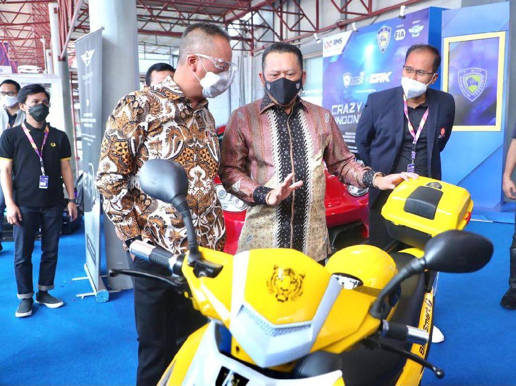 Tinjau Pameran IIMS 2021, Bamsoet Pamer Motor Listrik BS Elektrik