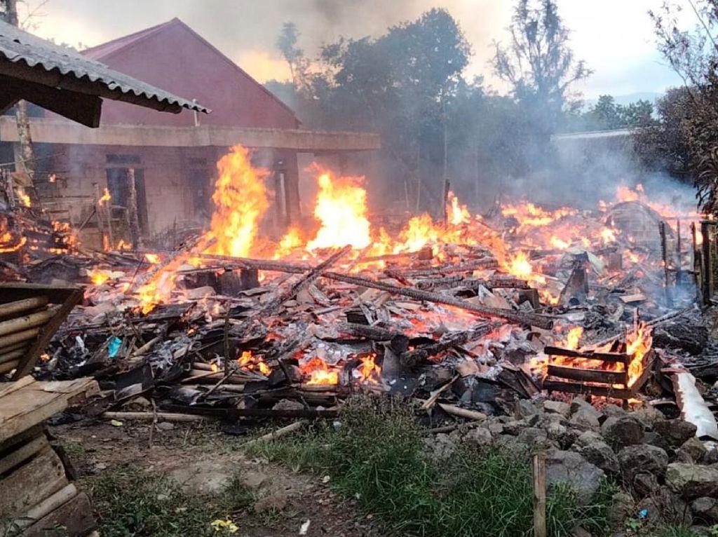 4 Rumah di Nyalindung Sukabumi Ludes Terbakar