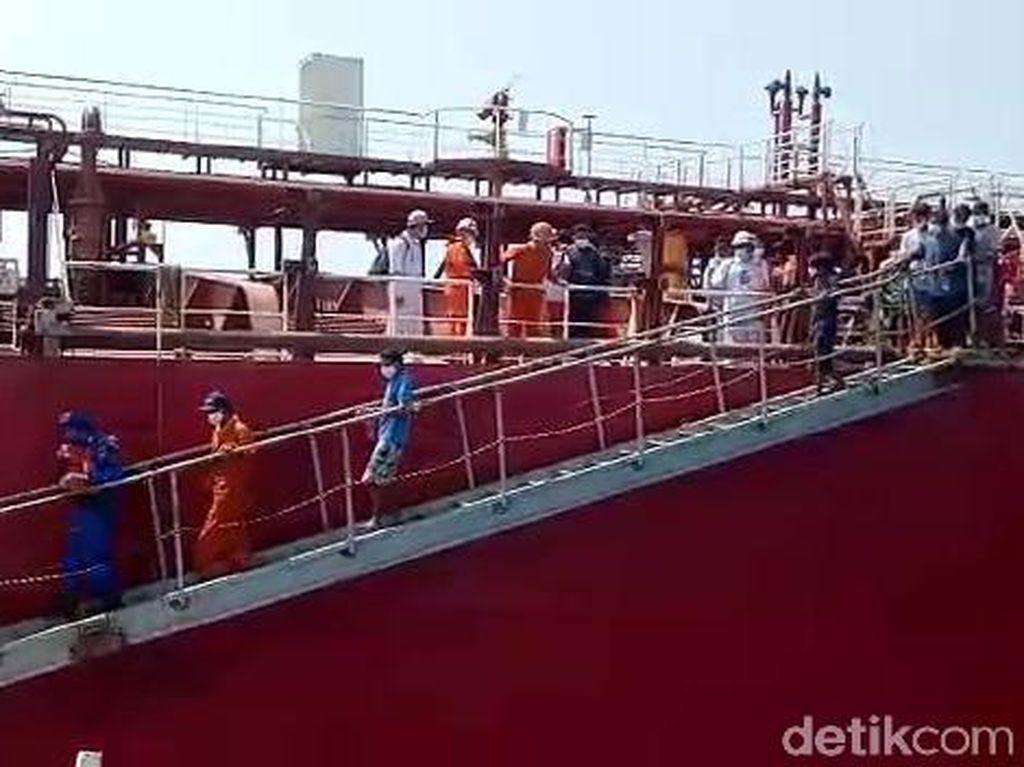 Kapal Terbakar di Laut Jawa, 16 Nelayan yang Selamat Sudah Dievakuasi