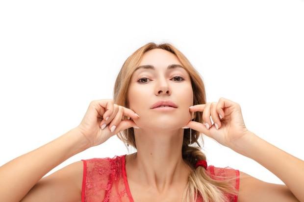 Kandungan yang paling terkenal untuk membuat kulit awet muda adalah antioksidan.