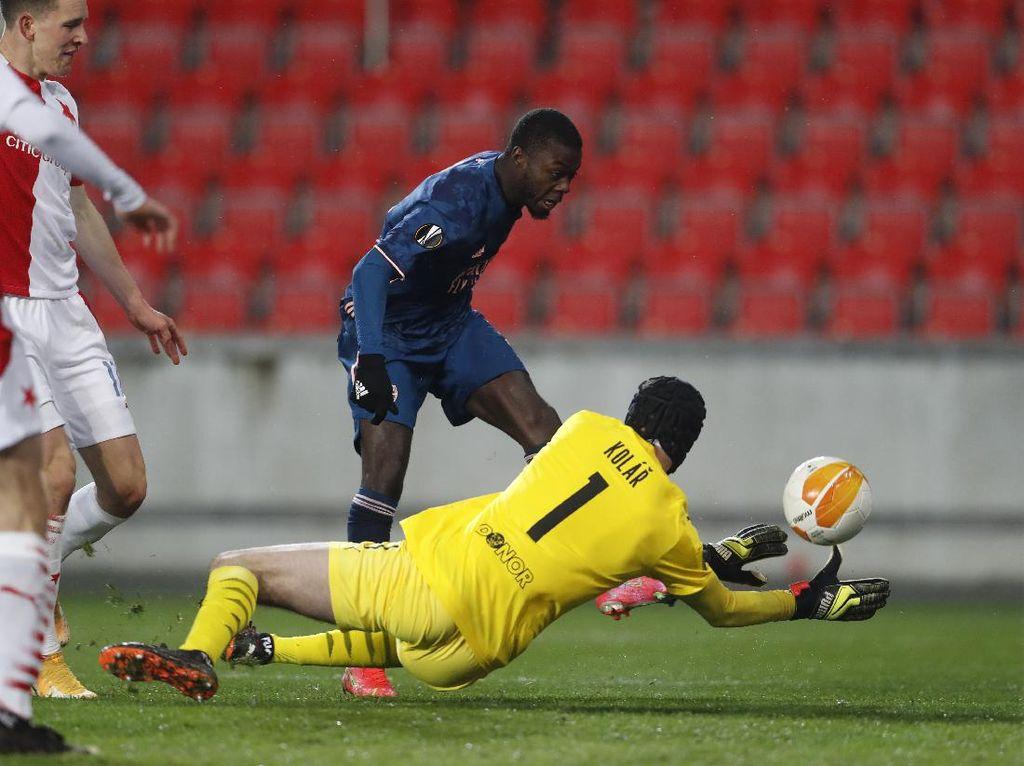 Babak I: Arsenal Gebuk Slavia Praha 3-0