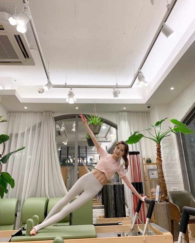 Wanita yang melakukan pilates tiga kali seminggu selama delapan minggu bisa kehilangan berat badan dan inci di pinggang mereka dan meningkatkan BMI mereka.