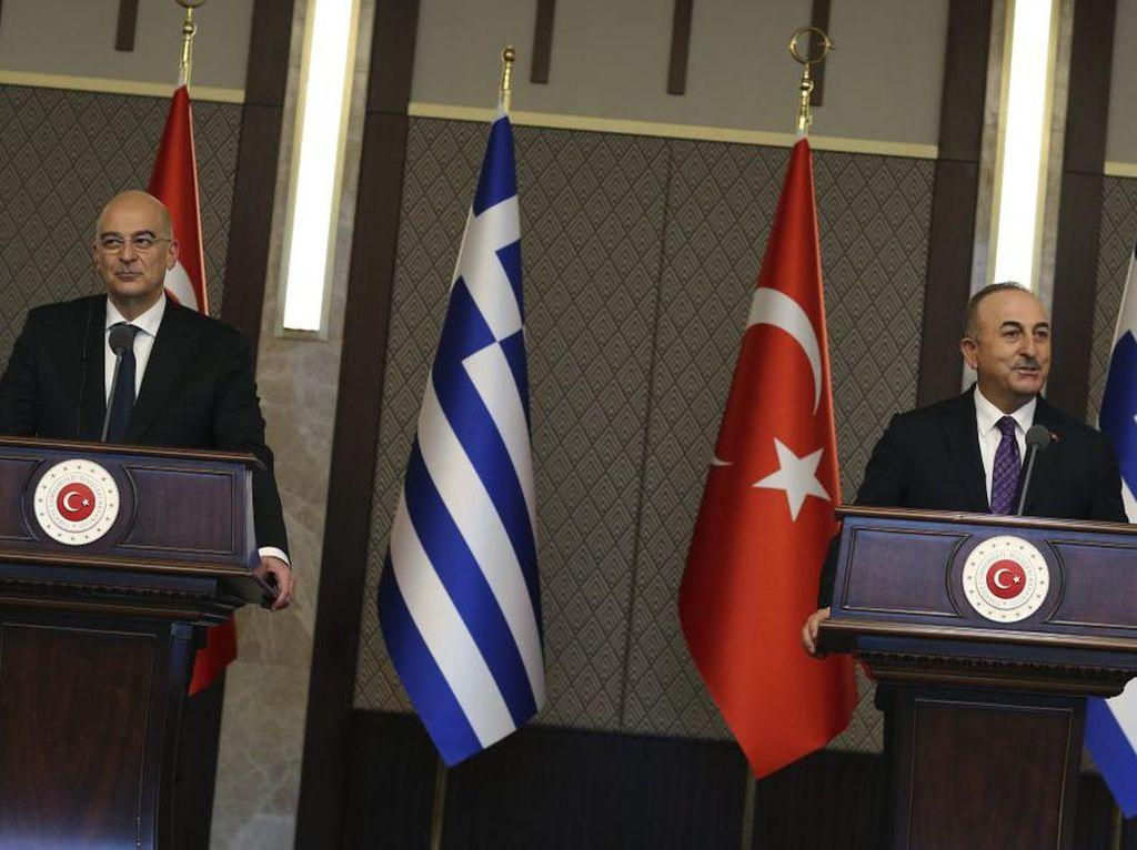 Panas! Menlu Yunani dan Turki Ribut di Konferensi Pers