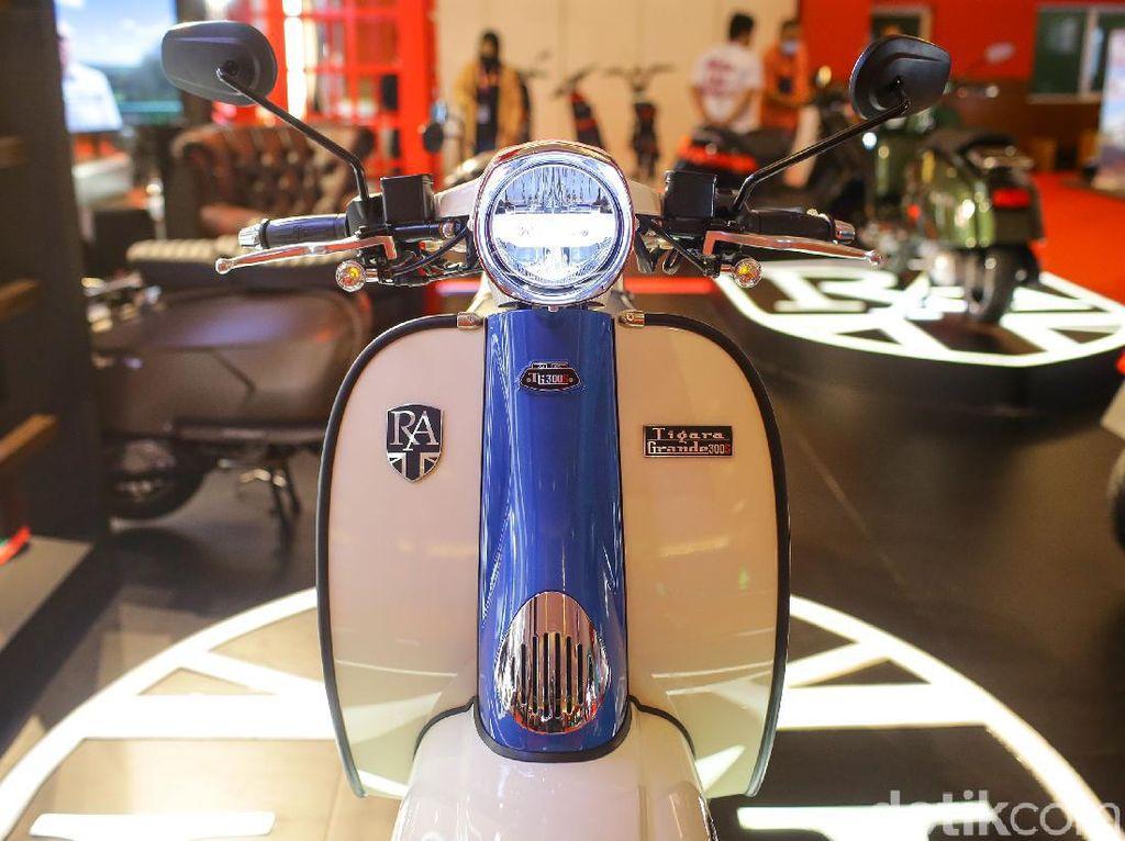 Kenalkan Royal Alloy TG 300 dan GP150 Rival Vespa-Lambretta di RI