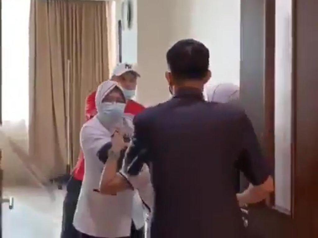 Momen Penganiayaan Perawat Berujung Penggantian Satpam RS Siloam