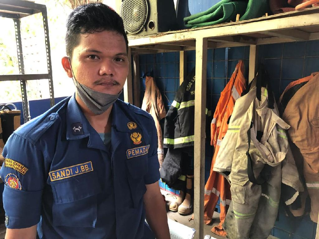 Sandi, Whistleblower Dugaan Korupsi di Markas Pemadam Api