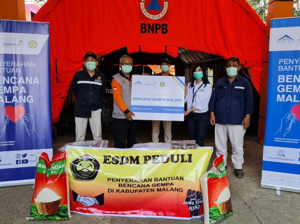 Operator Tambang Emas Banyuwangi Bantu Korban Gempa Malang