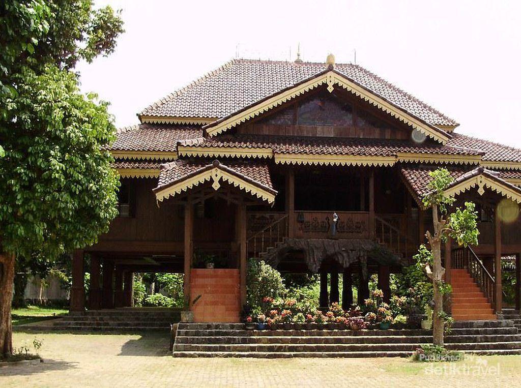 Cerita Budaya Lampung Ada di Rumah Ini
