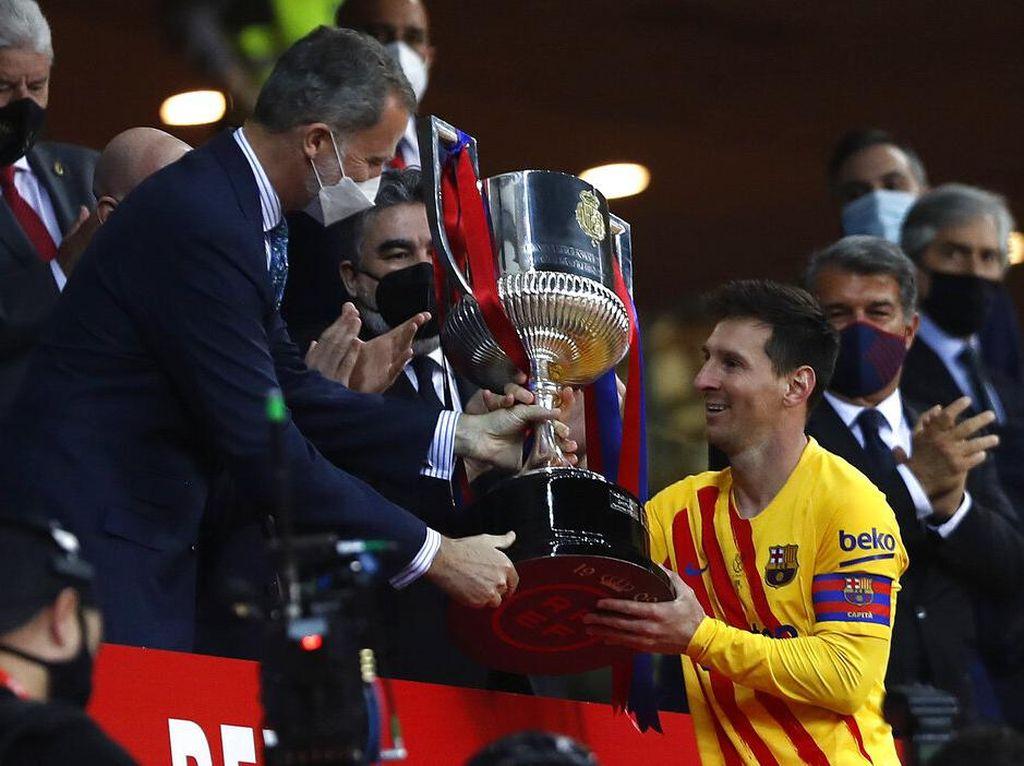 Kapten Messi Akhirnya Angkat Trofi Copa del Rey