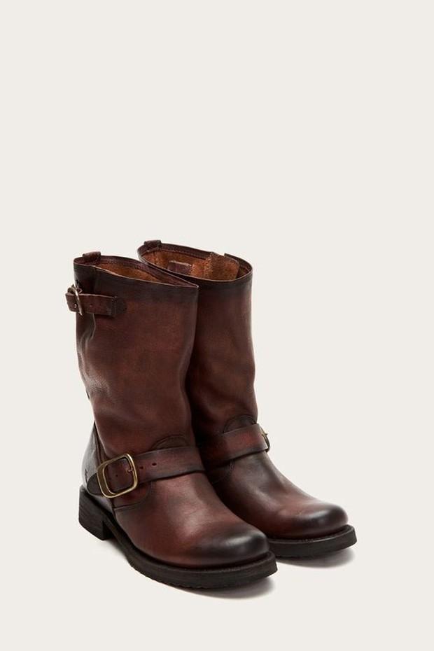 Mid calf boots (sumber : pinterest.com/thefryecompany)