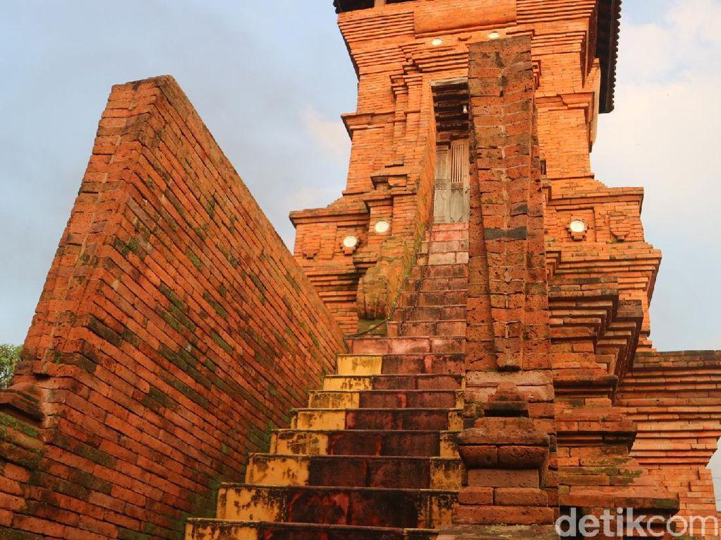 Melihat Replika Menara Kudus di Masjid Peninggalan Kiai Udan Panas