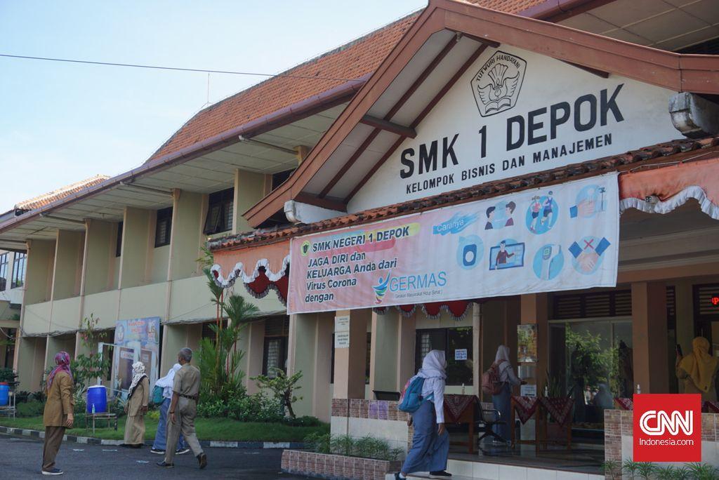 Sebanyak sembilan sekolah di Daerah Istimewa Yogyakarta (DIY) tingkat SMA/SMK melaksanakan uji coba kegiatan belajar mengajar (KBM) atau kelas tatap muka hari ini, Senin (19/4). cnnindonesia/Tunggul Damarjati