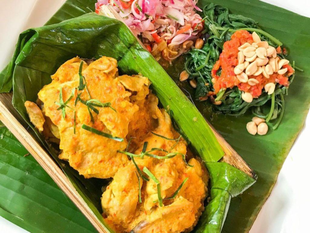 Masak Masak : Ayam Betutu Bakar Bambu yang Pedas Berempah