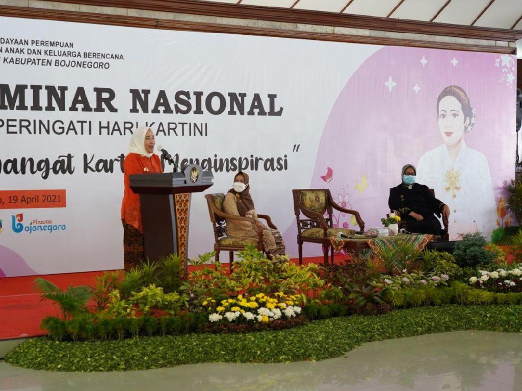 Saat Bupati Anna Berbicara Emansipasi Perempuan di Seminar Hari Kartini