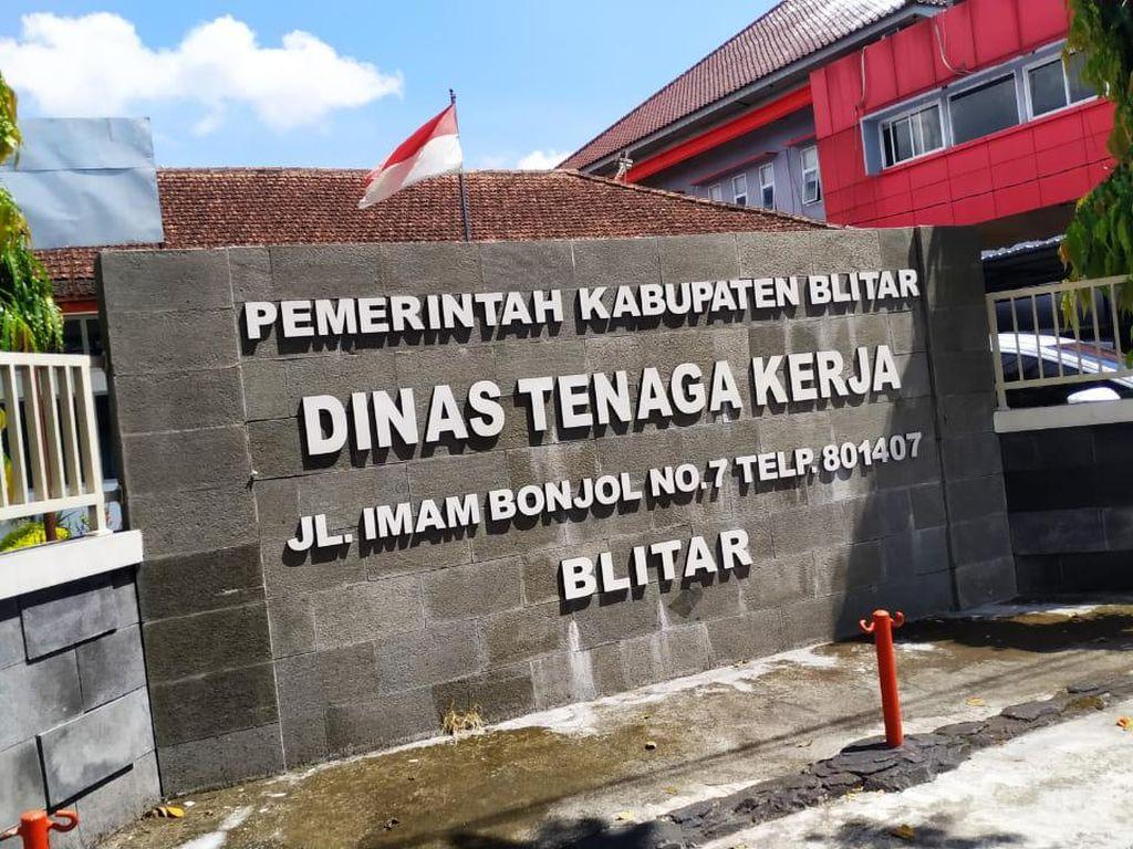 TKI Dilarang Mudik, Disnaker Kabupaten Blitar Serahkan ke BP2MI