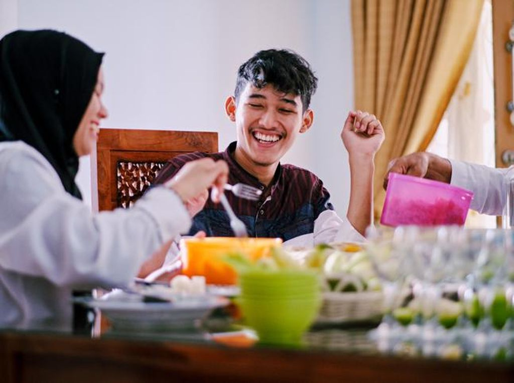 5 Keutamaan Makan Sahur di Bulan Ramadhan, Ada Berkah dan Didoakan Malaikat