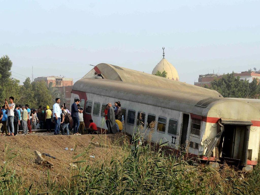 Foto: Kecelakaan Maut Kereta Api Terjadi Lagi di Mesir