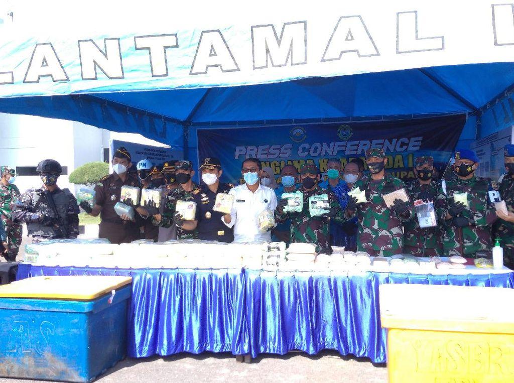 TNI AL Tangkap Kapal Bawa 110 Kg Narkoba di Sumut