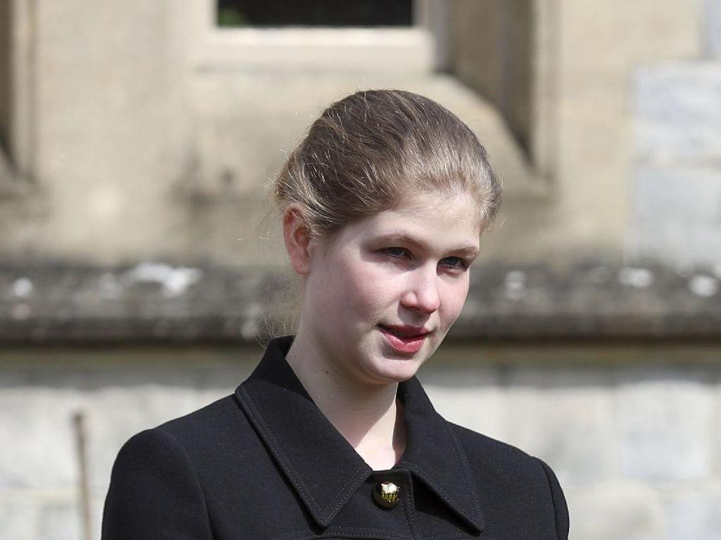 Jarang Terekspos, Ini Cucu Favorit Pangeran Philip yang Kini Beranjak Remaja