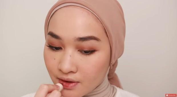 makeup bibir